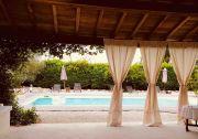 Pool-house-et-les-drapes---copie